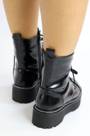 Bota Adriele Love Box Preto